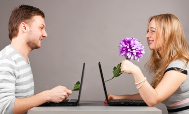 Pluses and minuses of internet dating