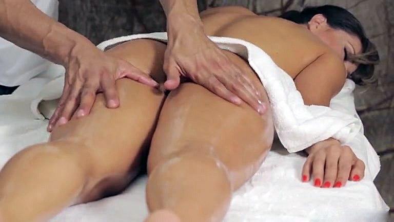 Как делать возбуждающий массаж девушки массаж эротическое в новосибирске