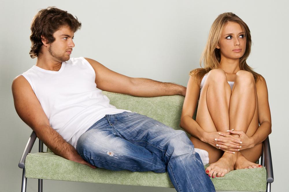 девушка пытается соблазнить парня смотреть стриженову