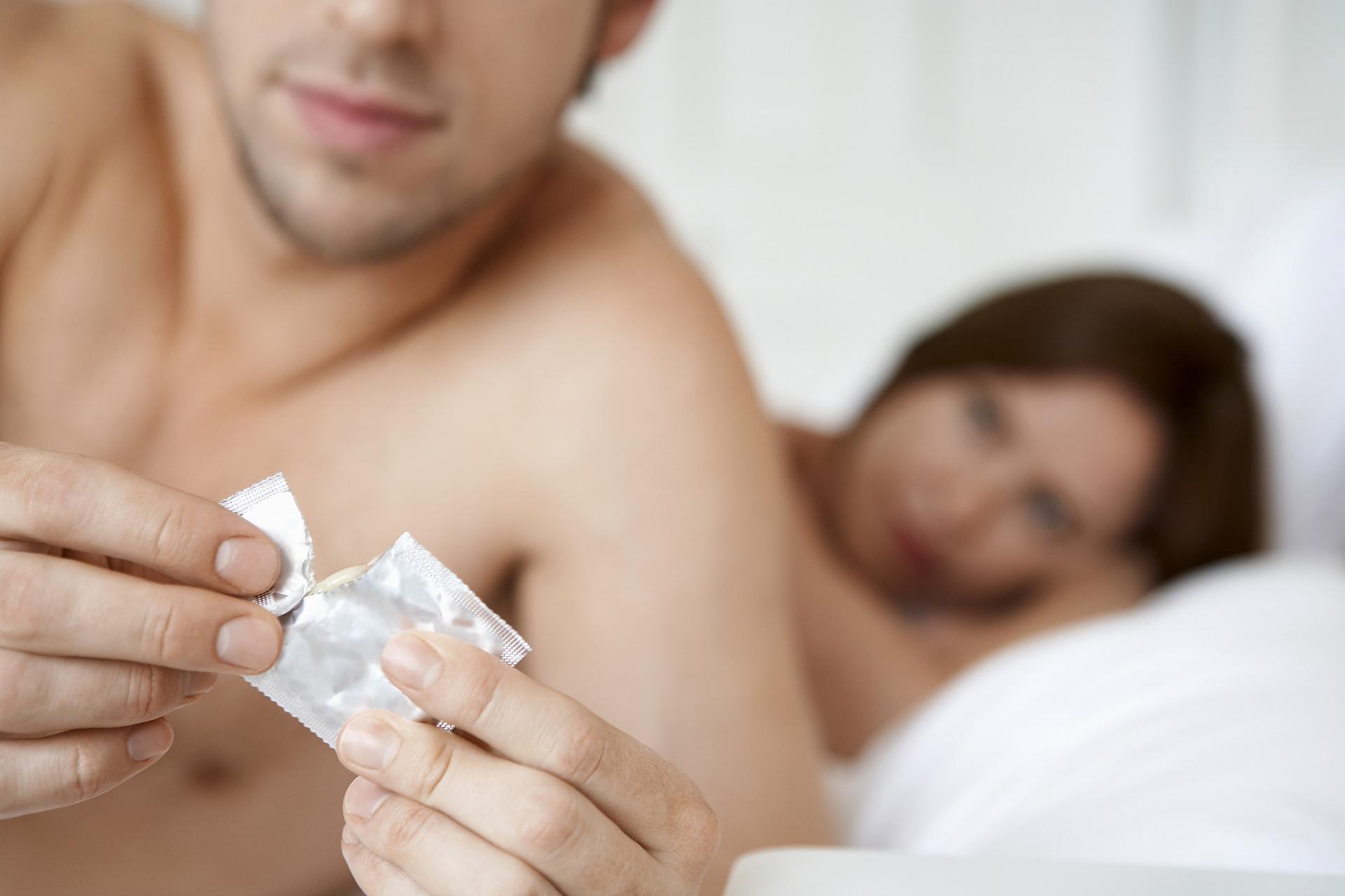 Что делать, если слетел презерватив? Отвечает Игорь Лапин