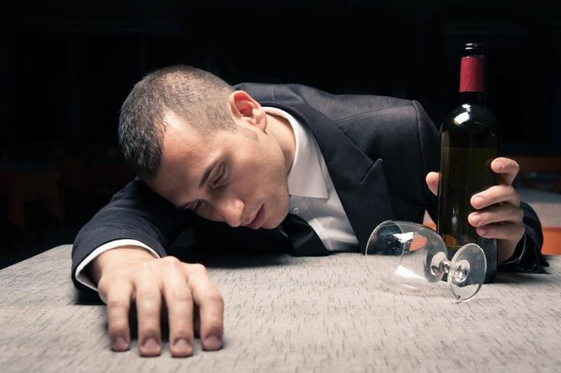Почему ЭТО не стоит когда пьяный? Отвечает Игорь Лапин